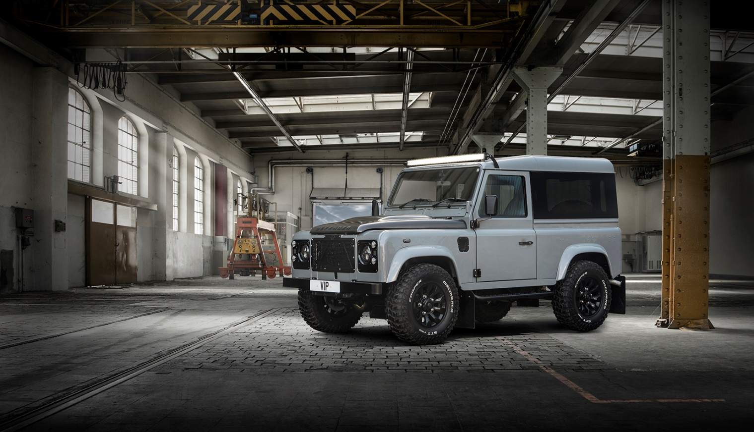 Land Rover defender VIP vehicle restoration warehouse picture