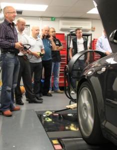 Car tuning software and training at Viezu
