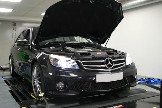 Mercedes Benz C63 AMG Tuning at Viezu