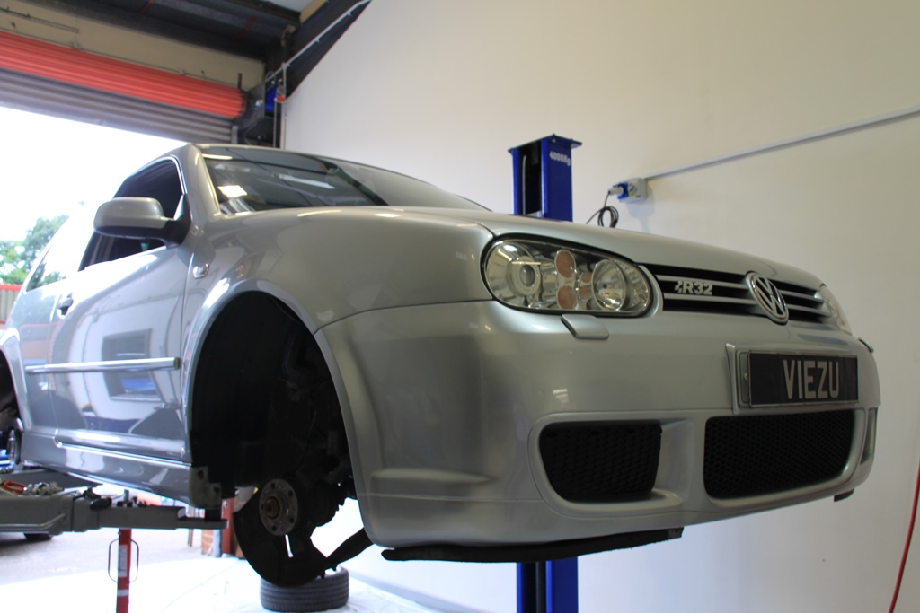 Golf R32 Tuning and Remapping at Viezu - VW tuning